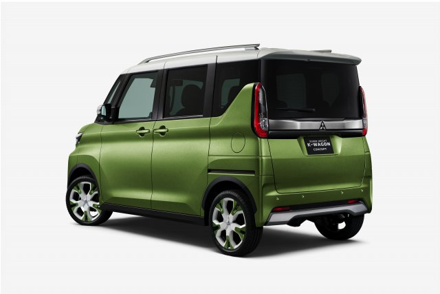 "KONCEPT SUPER HEIGHT K-WAGON CONCEPT Z KATEGORIE MINIVOZŮ ""KEI CAR"""