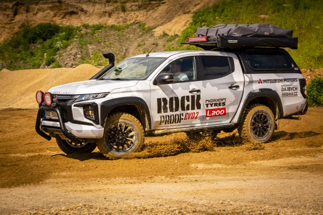 MITSUBISHI L200 ROCK PROOF EVO2
